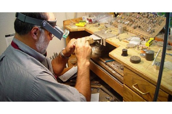 Jeweler's profession: how to become and where to study to be a jeweler